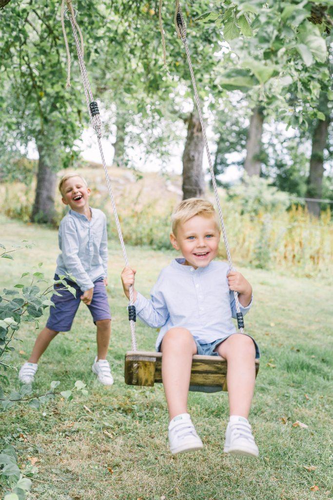 familjefotografering utomhus linköping nyköping fotograf stockholm